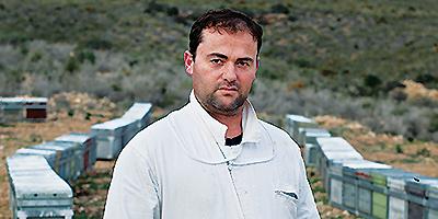 Pedro García, apicultor de Murcia
